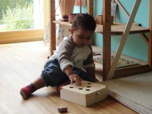 Montessori Schule March Toddlers üben Formen und Grössen